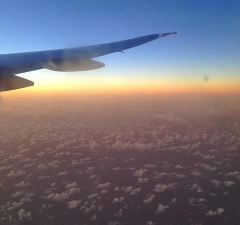 Viaggiare con i bambini piccoli: volare con un bambino