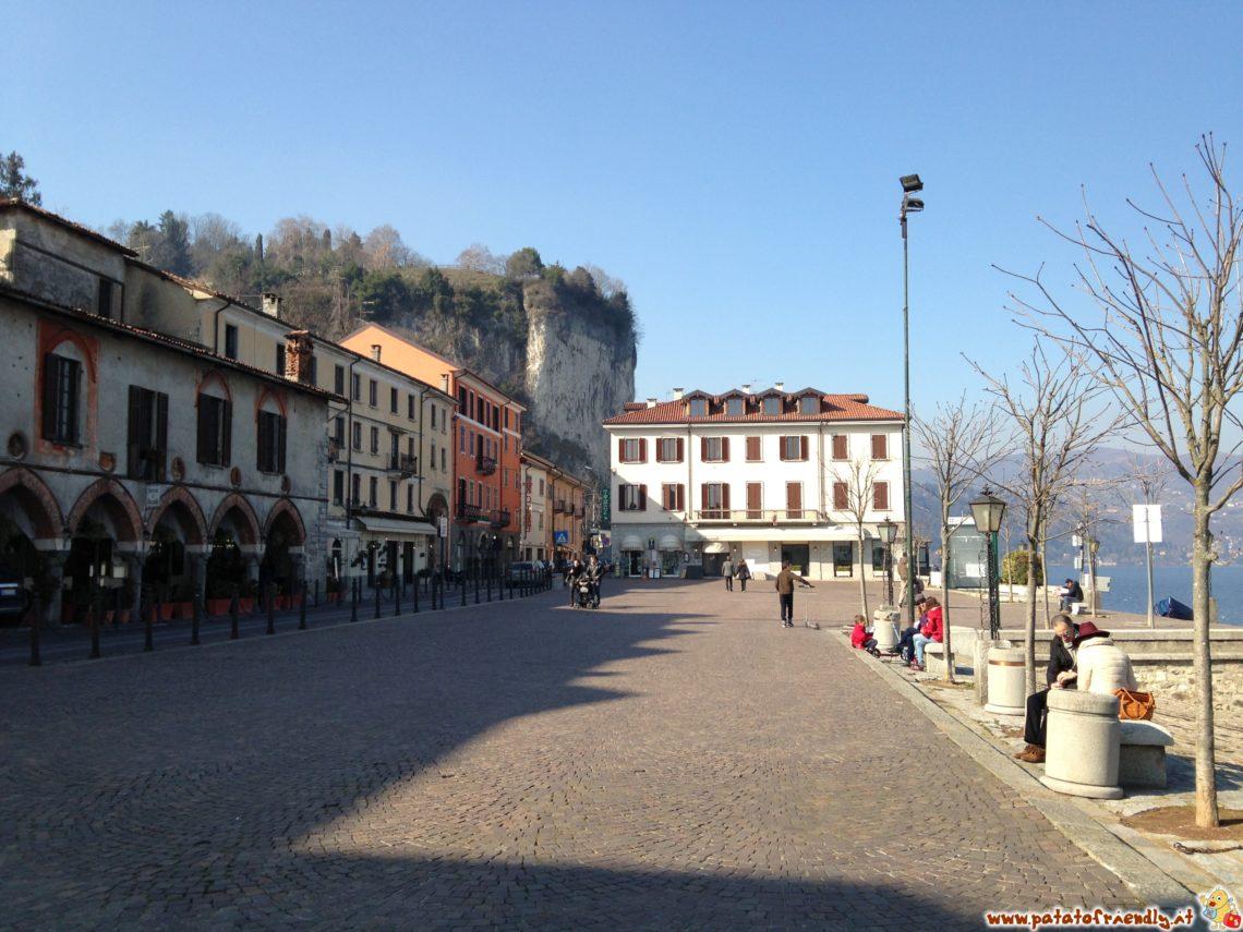 [cml_media_alt id='4180']Il centro di Arona affacciato sul Lago Maggiore[/cml_media_alt]