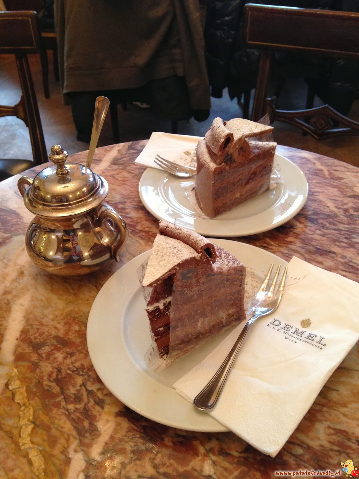 Bar e ristoranti viennesi L'ipercalorica Torta Demel da provare a Vienna
