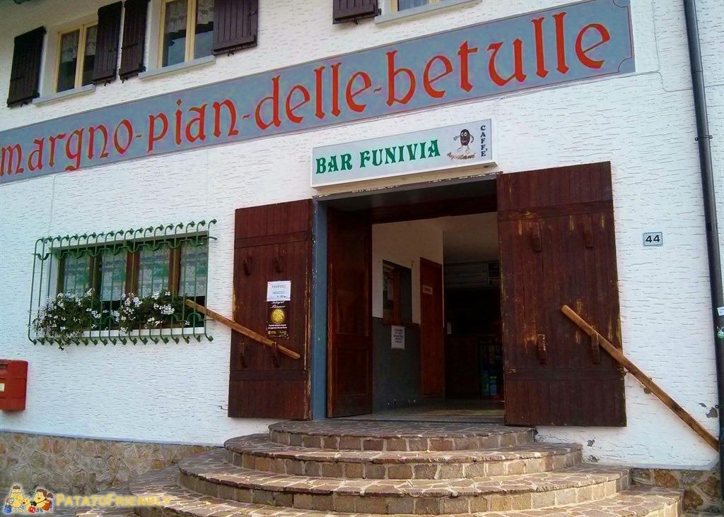 [cml_media_alt id='4522']L'ingresso alla funicolare che porta al Pian delle Betulle[/cml_media_alt]