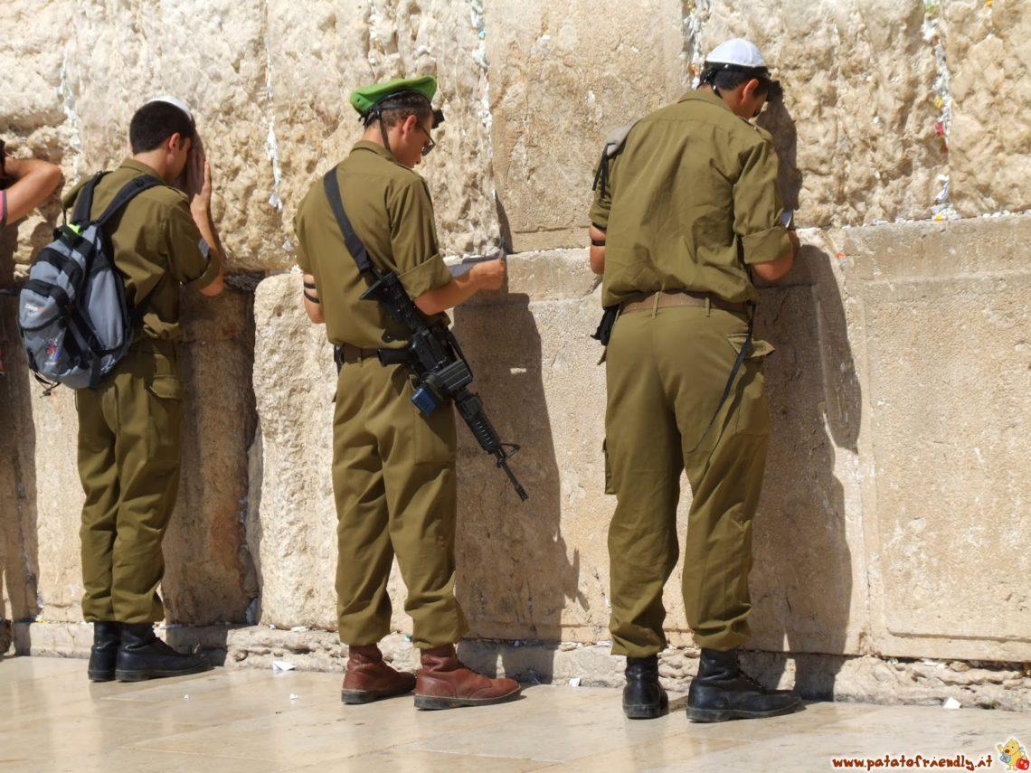 Soldati al muro del pianto - Israele