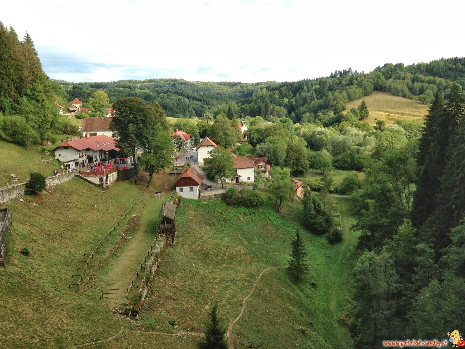[cml_media_alt id='4815']La vista dal castello di Predjama[/cml_media_alt]