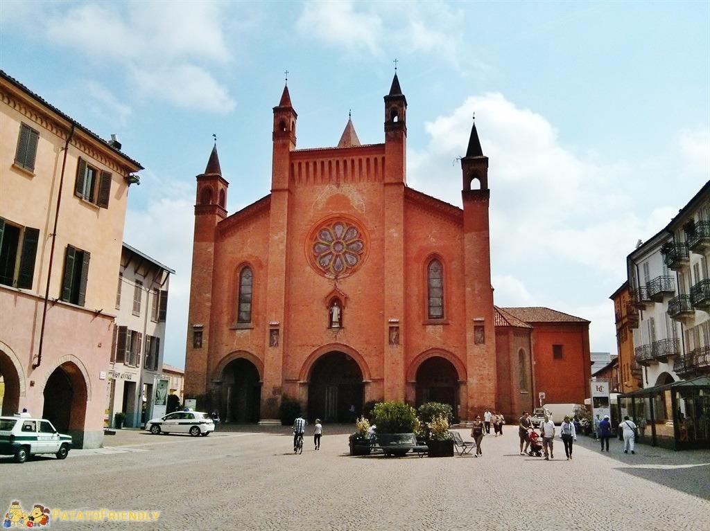 [cml_media_alt id='5352']Il Duomo di Alba, la capitale delle Langhe e del Roero[/cml_media_alt]