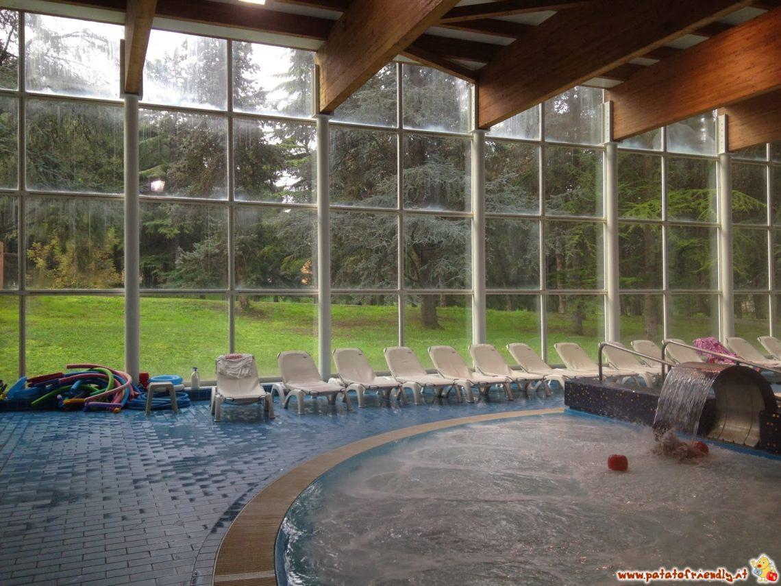 Monticelli Terme - la zona delle piscine