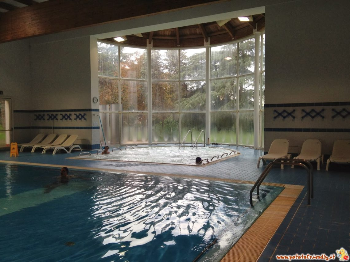Alle terme con i bambini: una delle piscine di Monticelli Terme