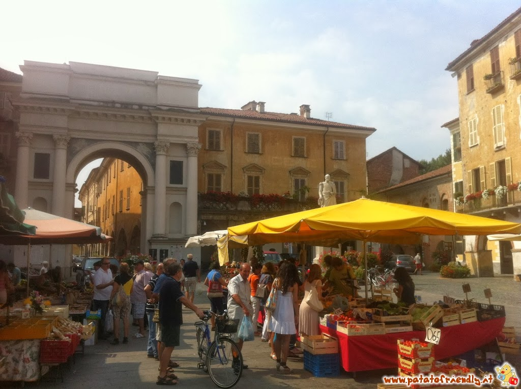 The open market of Savigliano