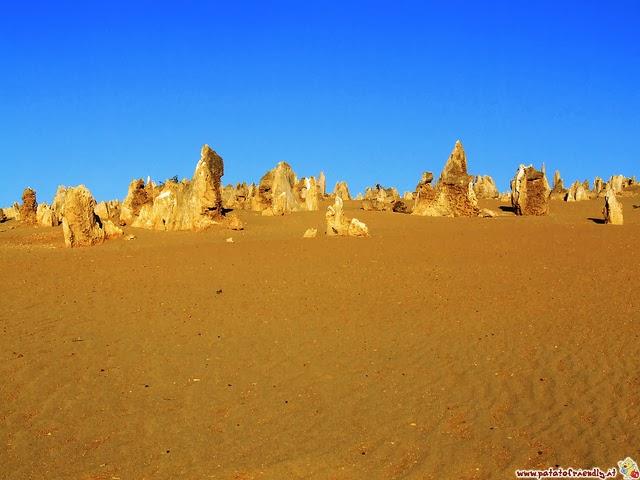 Vedere il Deserto dei Pinnacoli in Australia