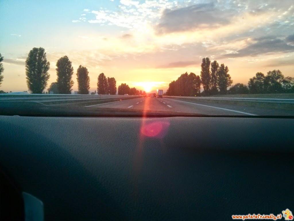 L'autostrada sulla via del ritorno a casa