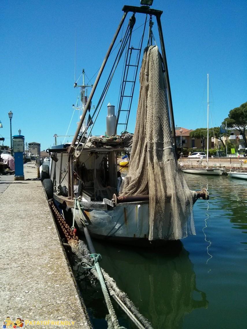 La Cozzara, la tipica imbarcazione dei pescatori di cozze