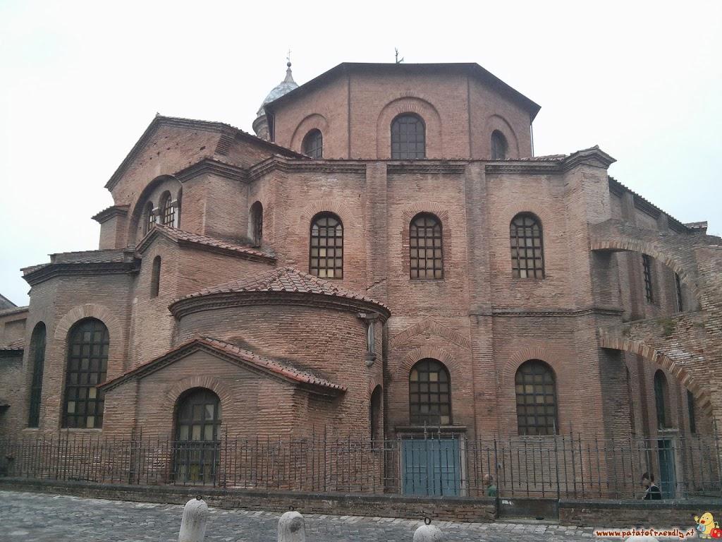 [cml_media_alt id='3124']La Basilica di San Vitale a Ravenna[/cml_media_alt]