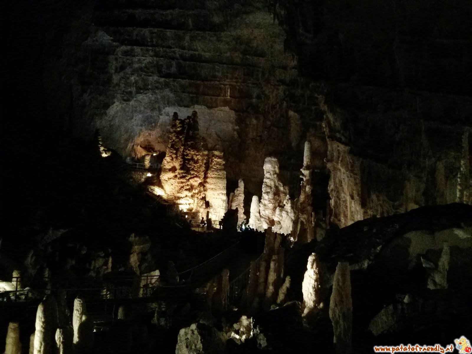 [cml_media_alt id='4613']Le Grotte di Frasassi[/cml_media_alt]