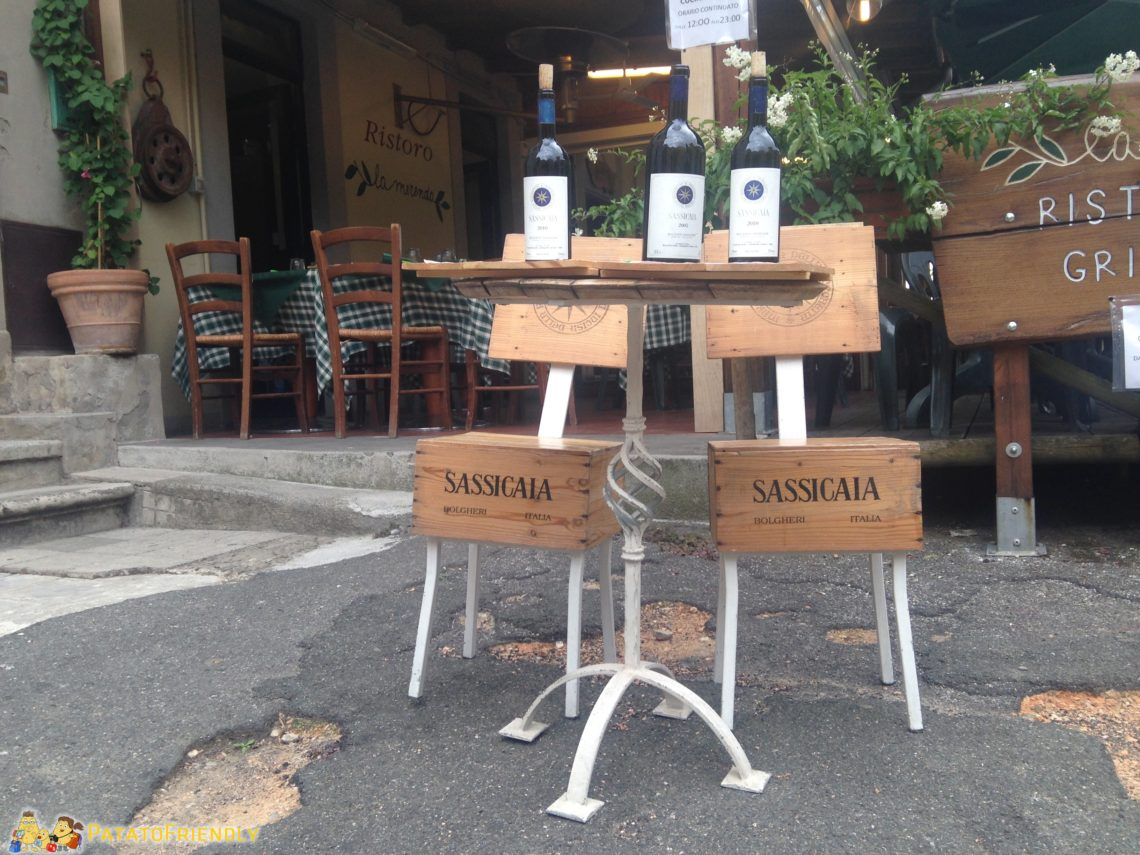 I tavolini caratteristici di Bolgheri