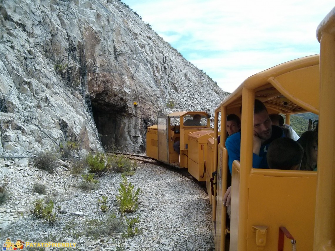 [cml_media_alt id='3230']Il trenino che permette di esplorare la miniera in modo suggestivo[/cml_media_alt]