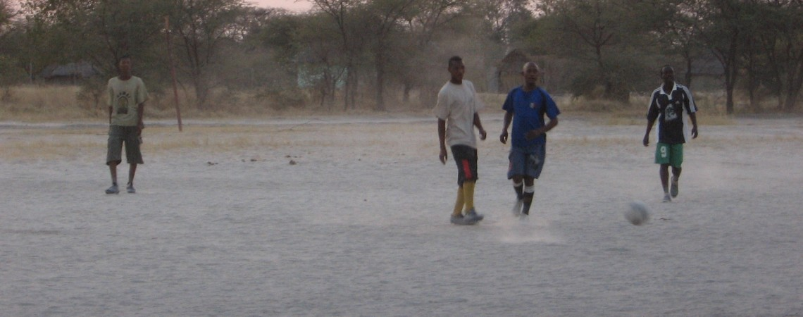 Una partita di calcio in Botswana