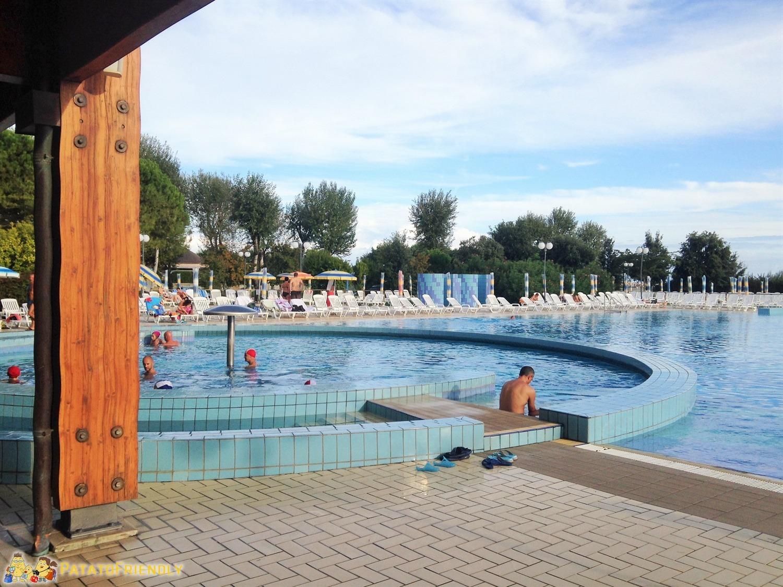 [cml_media_alt id='4409']Le terme di Bibione: la piscina esterna[/cml_media_alt]