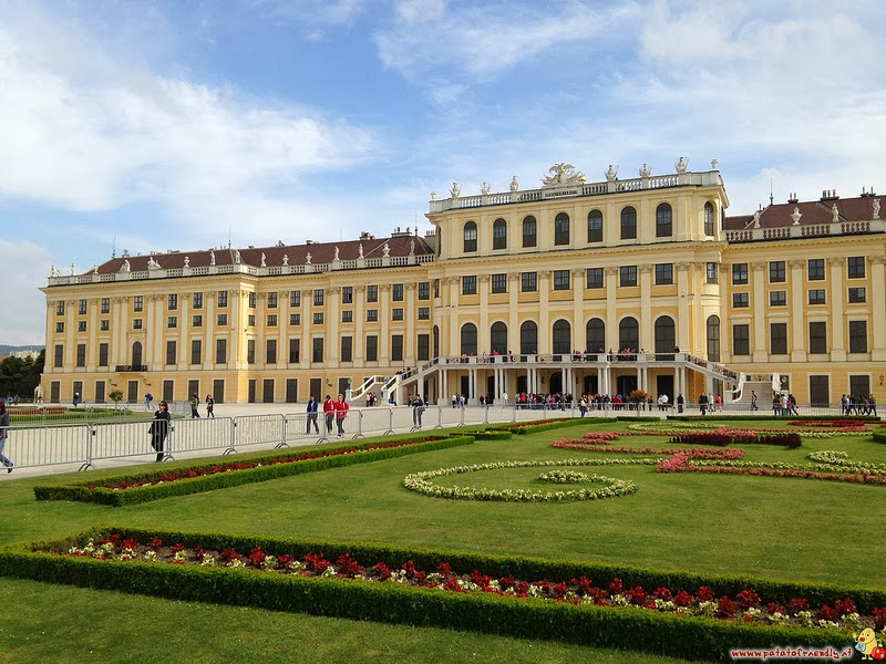 Cosa vedere a Vienna per bambini il castello di Shoenbrun.jpg