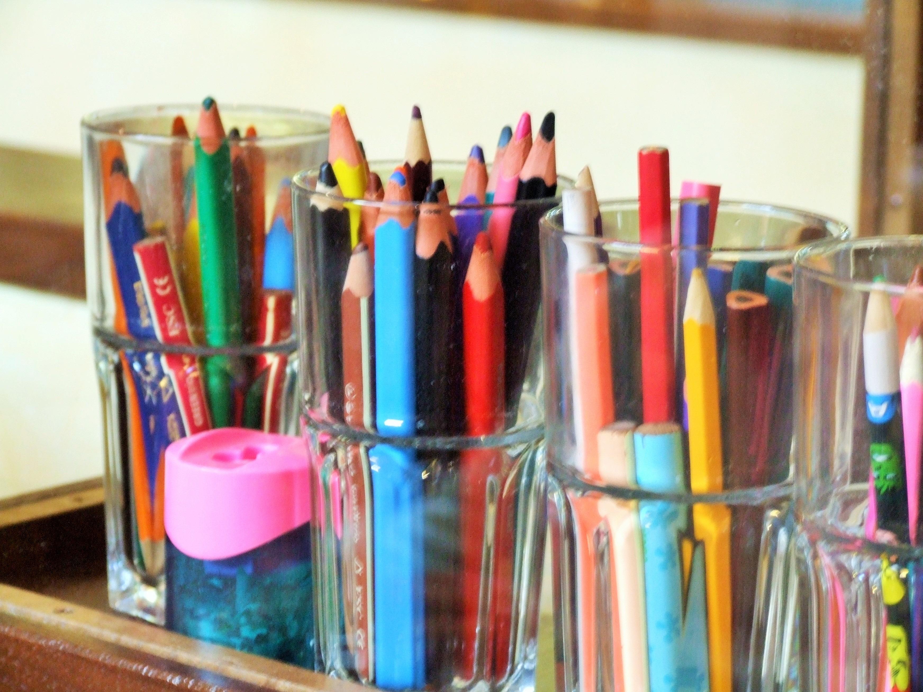 Perché aprire un blog di viaggi - Matite colorate