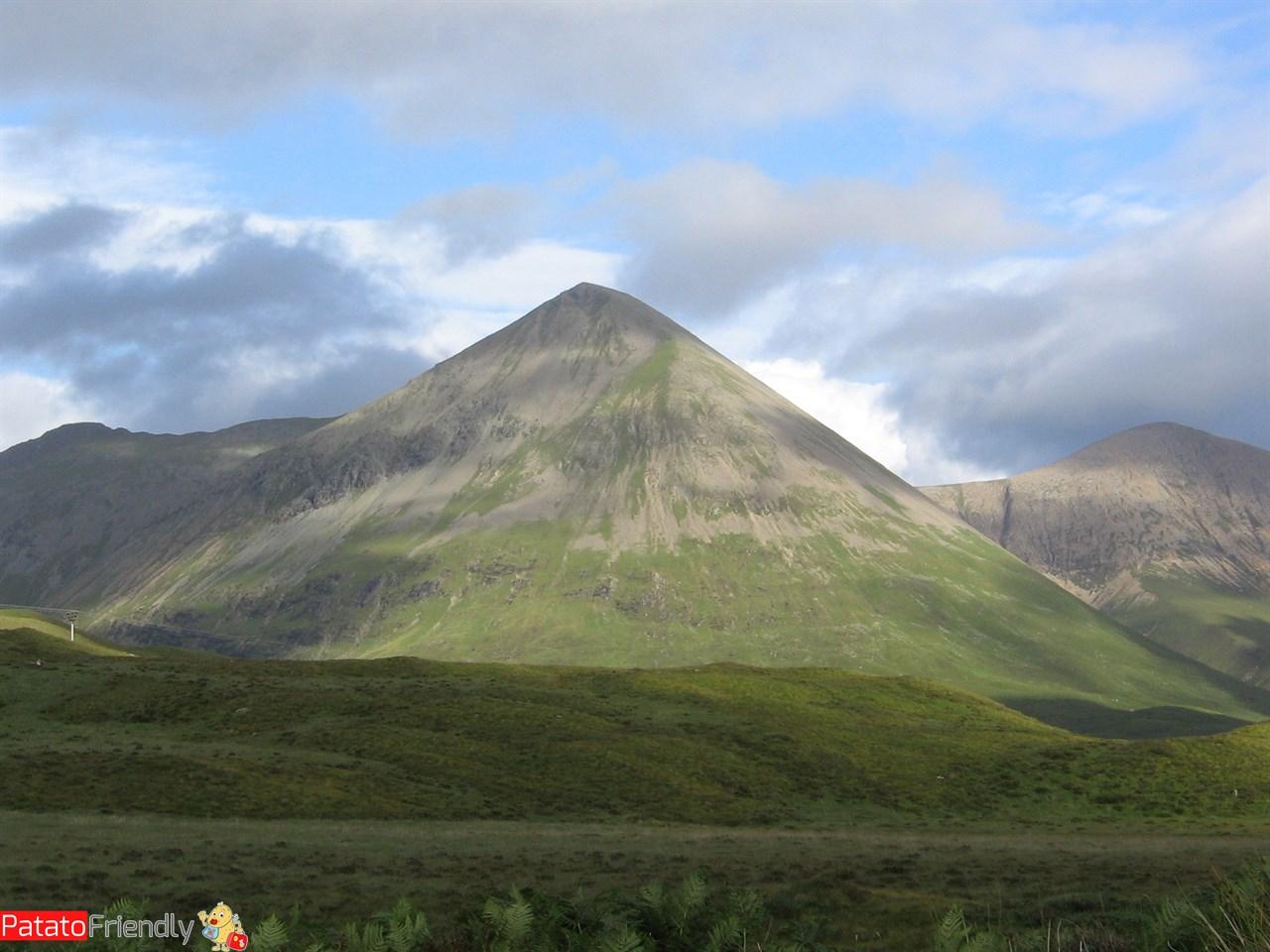 [cml_media_alt id='15533']Cuillins mountains Isola di Skye da vedere in Scozia[/cml_media_alt]