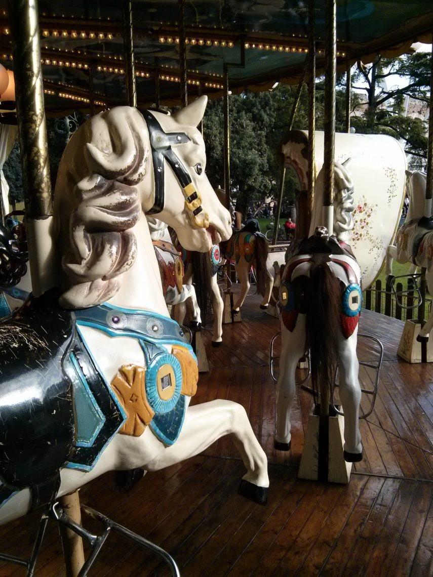 [cml_media_alt id='4650']Verona a Natale con i bambini: La giostra dei Cavalli in Piazza Bra[/cml_media_alt]