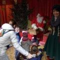 Il momento dell'incontro con Babbo Natale per la consegna della letterina