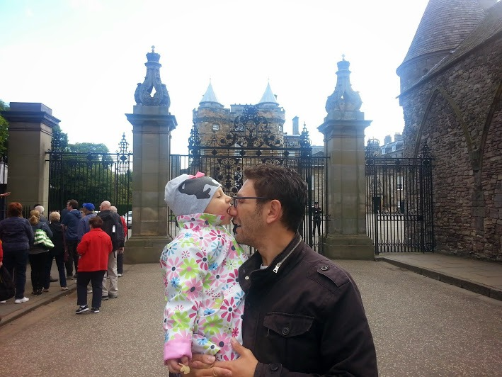 [cml_media_alt id='4831']Edimburgo con i bambni - Palace of Holyroodhouse - Credits Filo[/cml_media_alt]