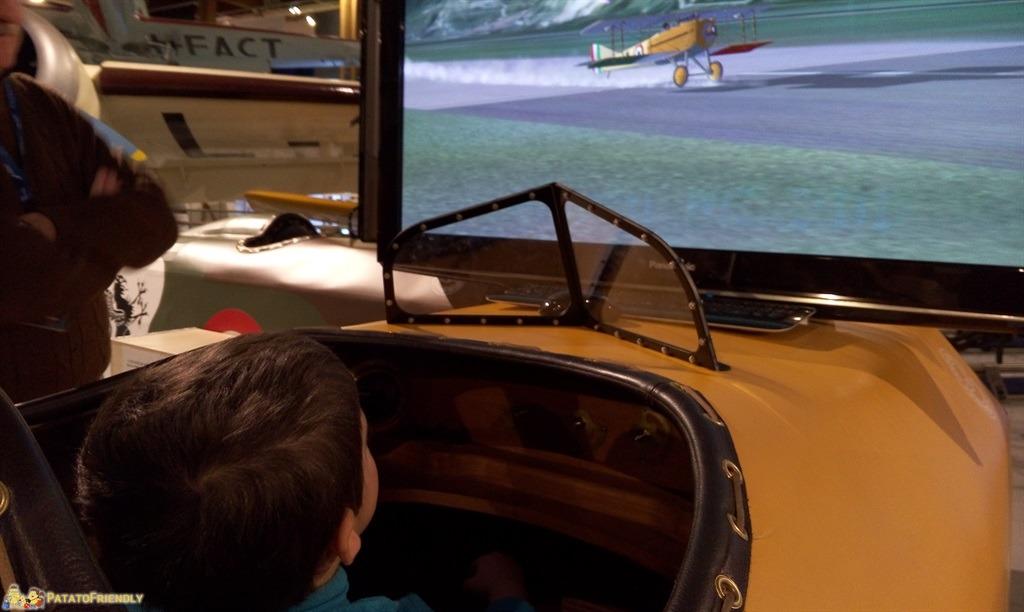 [cml_media_alt id='4800']Il Patato in uno dei simulatori di volo del Museo Caproni[/cml_media_alt]