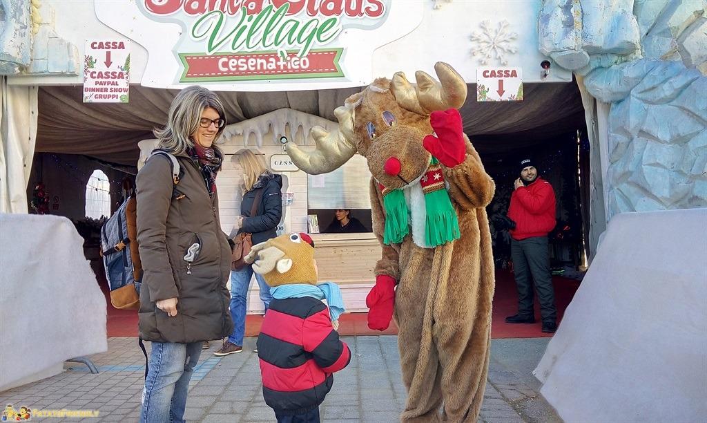 [cml_media_alt id='4891']L'ingresso del Santa Claus Village - L'incontro tra Rufus e il Patato Renna[/cml_media_alt]