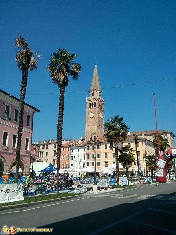 [cml_media_alt id='5051']Portogruaro - La piazza centrale dominata dal campanile[/cml_media_alt]