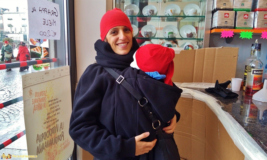 [cml_media_alt id='5274']Il Carnevale di Ivrea - Anche i più piccini partecipano indossando il Rosso Berretto Frigio simbolo della manifestazione[/cml_media_alt]