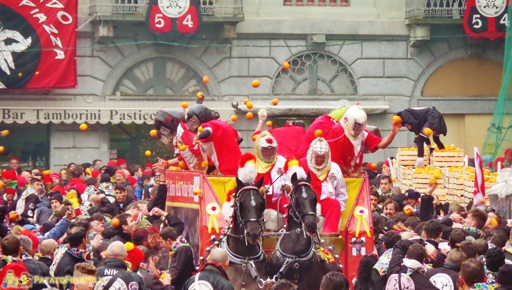 [cml_media_alt id='5283']Il Carnevale di Ivrea - La battaglia delle arance[/cml_media_alt]