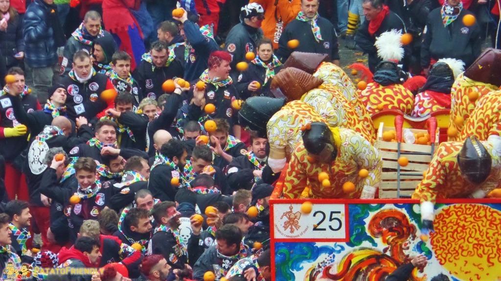 [cml_media_alt id='5285']Il Carnevale di Ivrea - La battaglia delle arance[/cml_media_alt]