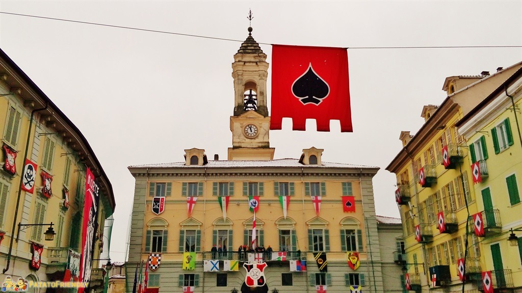 [cml_media_alt id='5296']Il Carnevale di Ivrea - Piazza Nazionale e il Municipio[/cml_media_alt]