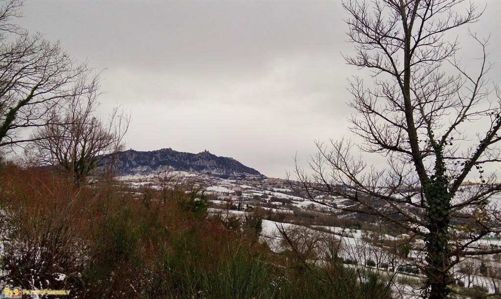 [cml_media_alt id='4940']Le tre Rocche di San Marino si stagliano sull'orizzonte[/cml_media_alt]