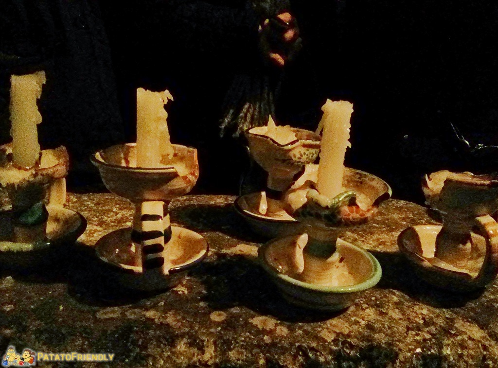 [cml_media_alt id='5221']Napoli sotterranea - Le antiche candele utilizzate per muoversi nei cunicoli[/cml_media_alt]