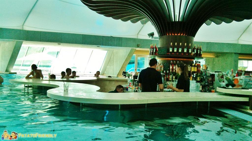 [cml_media_alt id='5226']Splash and Spa - il Lounge bar a bordo vasca[/cml_media_alt]