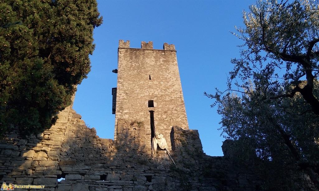 Cosa vedere a Varenna Il Castello di Vezio sul lago di Como