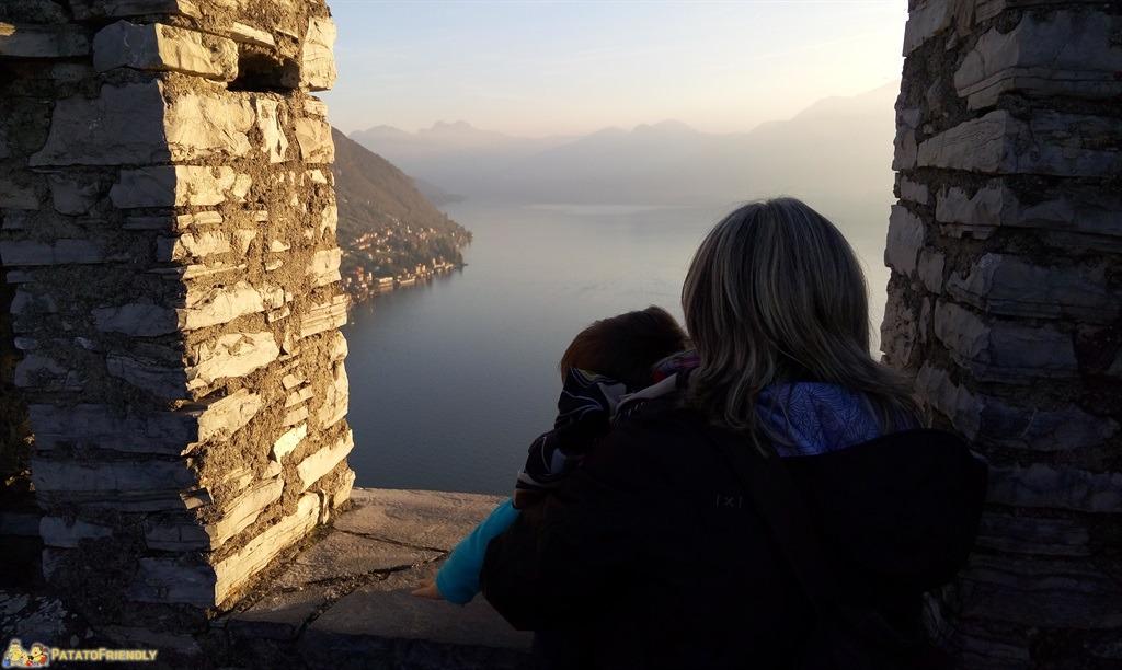 La splendida vista sul Lago di Como dal Castello di Vezio