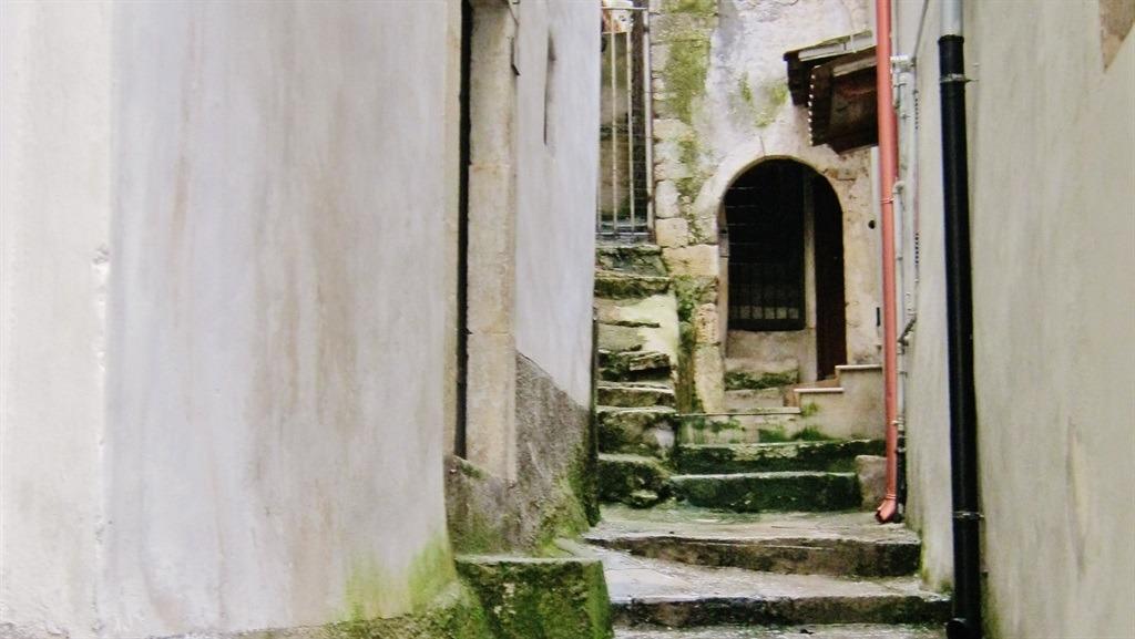 [cml_media_alt id='5376']Vico del Gargano - Centro storico - una scalinata caratteristica[/cml_media_alt]