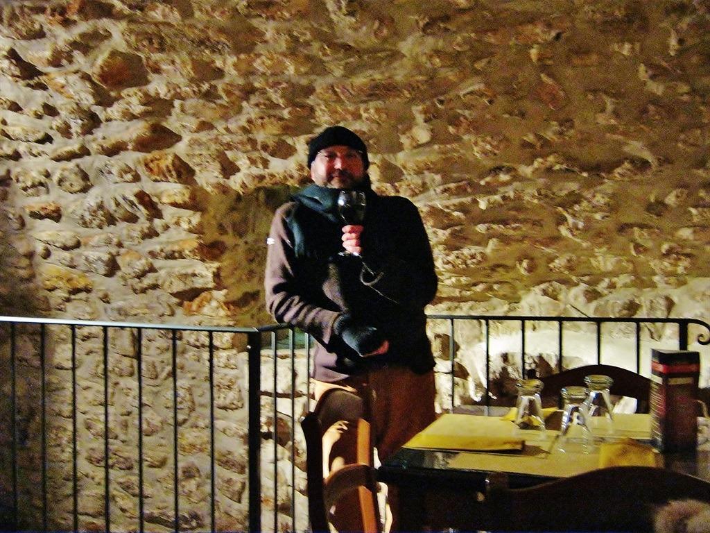 [cml_media_alt id='5370']Vico del Gargano - Il nostro Carlo impegnato in una degustazione[/cml_media_alt]