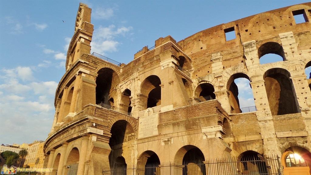 Visitare Roma in un giorno - Particolare del Colosseo