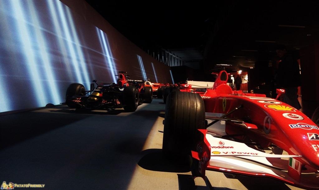 [cml_media_alt id='5465']Il Mauto, il Museo dell'Automobile di Torino - La pit lane con le auto di Forumla 1[/cml_media_alt]