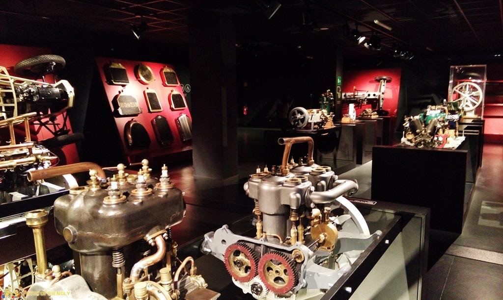[cml_media_alt id='5466']Il Mauto, il Museo dell'Automobile di Torino - L'area dedicata all'evoluzione dei propulsori[/cml_media_alt]