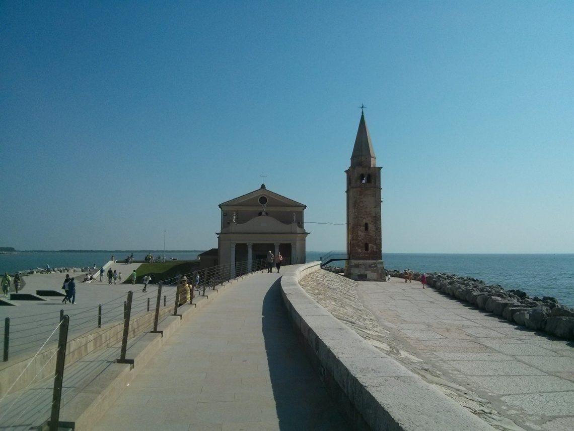 [cml_media_alt id='4461']I colori di Caorle - La chiesa della Madonna dell'Angelo[/cml_media_alt]