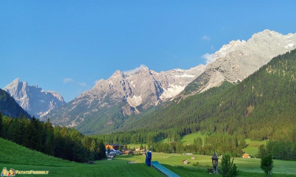 Alta Val Pusteria - Il panorama sulle Dolomiti dall'albergo