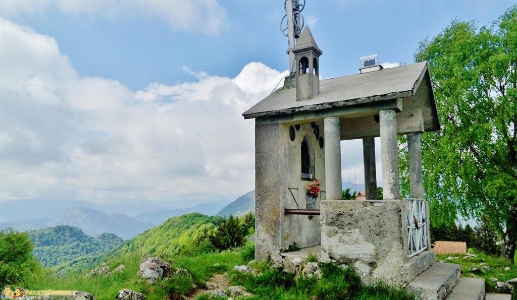 Aviatico - La piccola cappella votiva