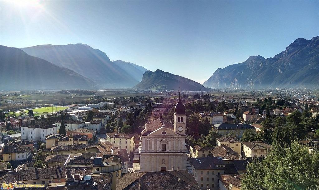 [cml_media_alt id='5394']I Mercatini di Natale in Trentino - Arco - Vista sul Lago di Garda[/cml_media_alt]