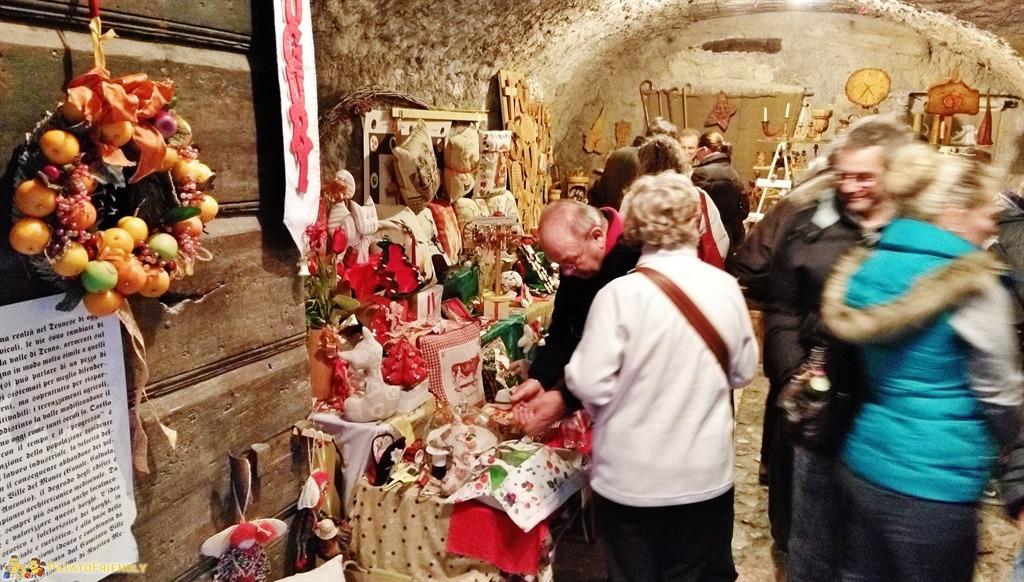 [cml_media_alt id='5399']I Mercatini di Natale in Trentino - Canale - Le bancarelle dei mercatini[/cml_media_alt]