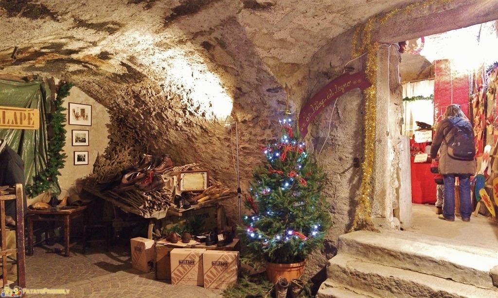 [cml_media_alt id='5400']I Mercatini di Natale in Trentino - Rango - I mercatini nelle grotte[/cml_media_alt]