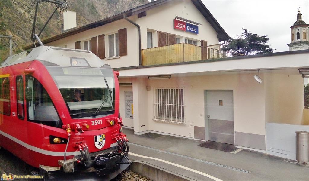 [cml_media_alt id='5578']Il trenino del Bernina - La stazione di Brusio[/cml_media_alt]