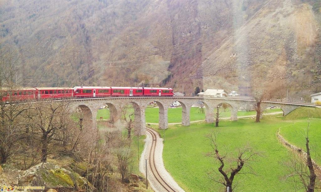 [cml_media_alt id='5585']Il trenino rosso del Bernina - Il viadotto elicoidale di Brusio[/cml_media_alt]